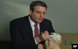 Η εγχείρηση στον εγκέφαλο της Γκάμπι
