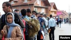 Làn sóng người tị nạn tiếp tục tràn vào Châu Âu.