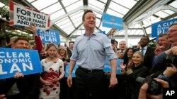 David Cameron, PM Inggris dan pemimpin partai konservatif, berbicara kepada pendukungnya dalam kampanye pemilu tahun 2015 (foto: ilustrasi).