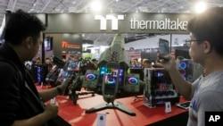 Nền kinh tế Đài Loan sản xuất các thiết bị trung gian xuất sang Trung Quốc lắp ráp