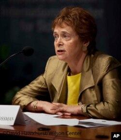 Ketrin Kosman (Catherine Cosman), Diniy erkinlik bo'yicha xalqaro komissiyada yetakchi mutaxassislardan biri