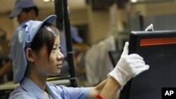 중국 상해에 위치한 전자제품 제조 공장 (자료사진)