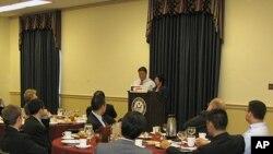 워싱턴 민간단체인 '디펜스 포럼'의 초청으로 미 하원에서 오찬을 가진 탈북자 대표단