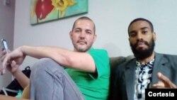 À esquerda, Daniel Sarchiolo e Pastor Mavioli, responsáveis pela organização Mobilize Já
