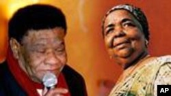Bana e Cesária Évora, duas grandes figuras da música de Cabo Verde.