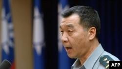 台灣新任國防部長邱國正