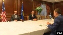 Metju Zais i Džon Jovanović u intervjuu za albanski servis Glasa Amerike