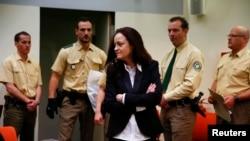Münih'te Irkçı terör davasında yargılanan aşırı sağcı terör örgütünün hayattaki üyesi Beate Zschaepe