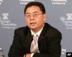 美国之音中文部资深编辑宝申