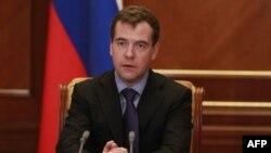 Presidenti Medvedev ka shkarkuar 10 zyrtarë të lartë të Ministrisë së Brendshme