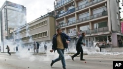 Protesta dhe përleshje në Prishtinë