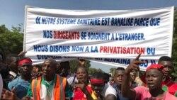 Plusieurs milliers de personnes manifestent à Bobo Dioulasso