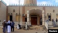 بم دھماکے کا ہدف بننے والی مصر کی ایک مسجد بیر العبد۔ نومبر 2017