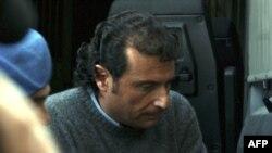 Kapetan broda Kosta Konkordija, Frančesko Sketino, stavljen je u kućni pritvor