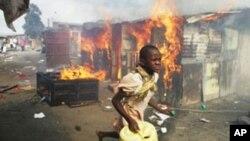 Ghasia zilzozuka baada ya uchaguzi wa 2007 huko Kenya.