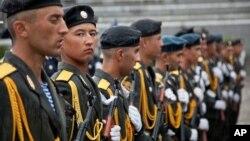Tojikiston armiyasi askarlari