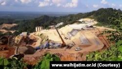 Tambang emas di kawasan Gunung Tumpang Pitu, Banyuwangi, Jawa Timur. (Foto: www.walhijatim.or.id)