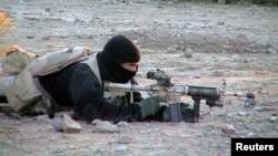 Salah seorang anggota pasukan khusus tim Navy SEAL AS dalam operasi di Afghanistan (foto: dok).