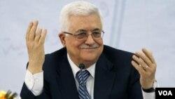 Presiden Palestina Mahmoud Abbas dalam konferensi pers di Sarajevo (16/8)