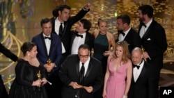 "Ekipa filma ""Spotlight"" slavi pobedu u kategoriji najboljeg filma prošle godine."