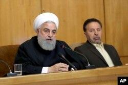 하산 로하니 이란 대통령이 24일 각료회의에서 연설하고 있다.
