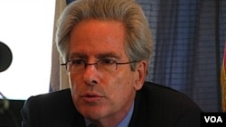 El secretario de Estado adjunto de EE.UU., Arturo Valenzuela, dijo que esperan avanzar en las relaciones con Bolivia.
