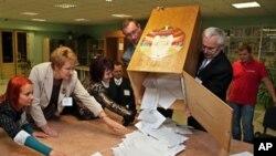 白俄羅斯官員表示﹐星期日的議會選舉有 74% 的高投票率