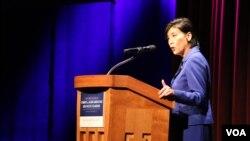 国会议员赵美心在亚太裔高峰会讲话 (美国之音杨晨拍摄)
