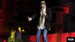 El cantante Juan Luis Guerra será el productor y director musical de la velada del tres de febrero de 2012.