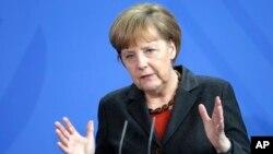 Thủ tướng Đức Angela Merkel không ủng hộ kế hoạch của Thủ tướng Anh David Cameron ngăn chặn di dân từ các nước thành viên khác của EU.