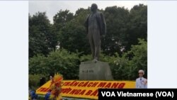 Tượng Lenin ở Hà Nội.