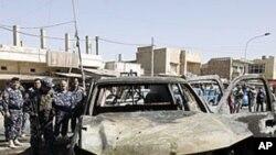 폭탄 공격으로 파괴된 차량