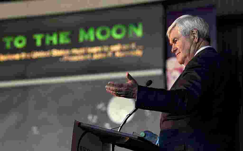 Newt Gingrich durante un discurso en el centro espacial en Huntsville, Alabama.