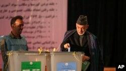 کابل يو مطبوعاتي کانفرنس ته دوينا په مهال يوسف نورستاني وويل چې دټولټاکنو دوهم پړاؤ به په ١٤م جون ترسره کيږي