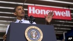 Tổng thống Obama phát biểu tại bang Minnesota về công văn việc làm cho các cựu quân nhân, ngày 1 tháng 6, 2012