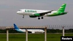 Sebuah pesawat Citilink Airbus A320 mendarat di bandara internasional Soekarno–Hatta, Jakarta (Foto: dok).