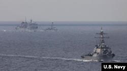 美國和英國軍艦2020年5月3日在巴倫支海行動。(美國海軍照片)