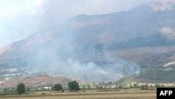 Në jug të Shqipërisë zjarret shkaktojnë dëme të mëdha