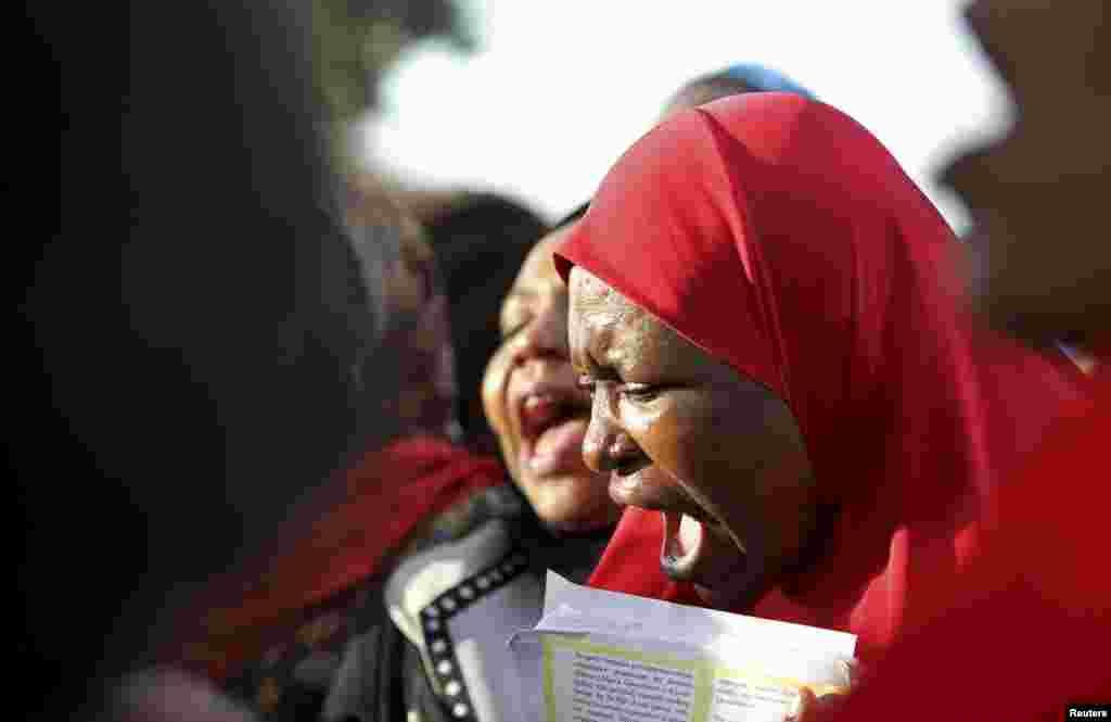 مغوی طالبات کے اہل خانہ بدستور سراپا احتجاج ہیں