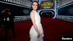 "Actress Daisy Ridley arrives at the premiere of ""Star Wars: The Force Awakens"" in Hollywood, California, Dec. 14, 2015."