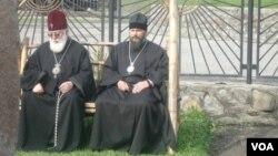 ილია მეორე და მეუფე პეტრე