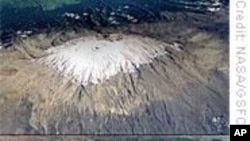 Scientists Measure Accelerating Ice Loss on Kilimanjaro