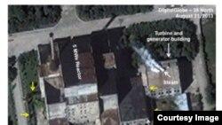 미국 존스홉킨스대 국제관계대학원(SAIS) 산하 미한연구소의 북한전문 웹사이트인 '38노스'는 지난달 31일 촬영한 위성사진을 분석한 결과 북한이 영변의 5㎿급 원자로를 지난달 하순부터 재가동하기 시작한 것으로 보인다고 11일 밝혔다. 사진은 '38노스' 웹사이트에 게재된 영변 위성사진.