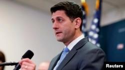Ketua DPR Paul Ryan berbicara kepada media di gedung Capitol di tengah ancaman kebuntuan anggaran, Selasa (6/2).