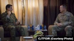 Mazlûm Abdi û General Paul E. Funk