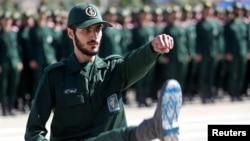 امریکہ نے ایران کے پاسدران انقلاب کو بھی بلیک لسٹ کر دیا تھا۔