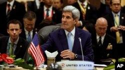 Ngoại trưởng Mỹ John Kerry tham dự Hội nghị Bộ trưởng Ngoại giao tại Kuala Lumpur ngày 6/8/2015.