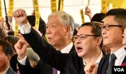 香港和平佔中三名發起人(右起)陳健民、戴耀廷、朱耀明。(美國之音湯惠芸)