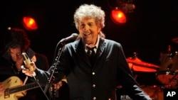 Bob Dylan en concert à Los Angeles le 12 janvier 2012.