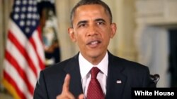 Obama dijo que un grupo de republicanos en el Congreso amenaza con torpedear al gobierno anulando el Obamacare.